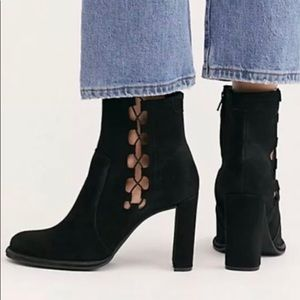 New free people  boots size 37(6.5US)